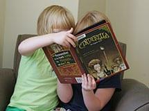 summer-reading-girls